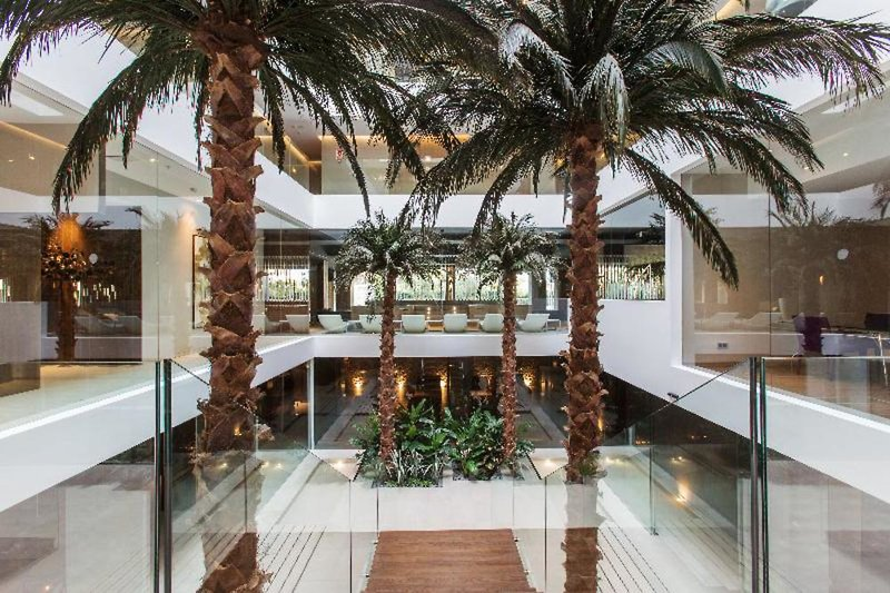 The Oasis by Don Carlos Resort Lounge/Empfang