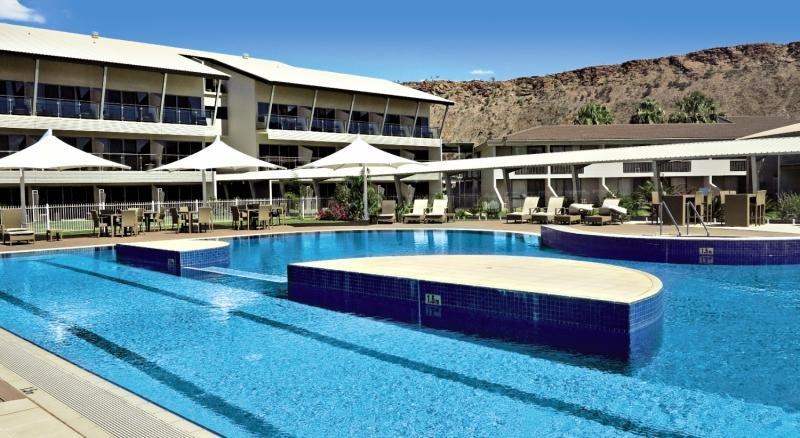 Crowne Plaza Alice Springs Lasseters Pool