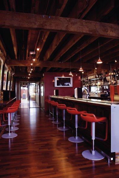 The Henry Jones Art Hotel Bar