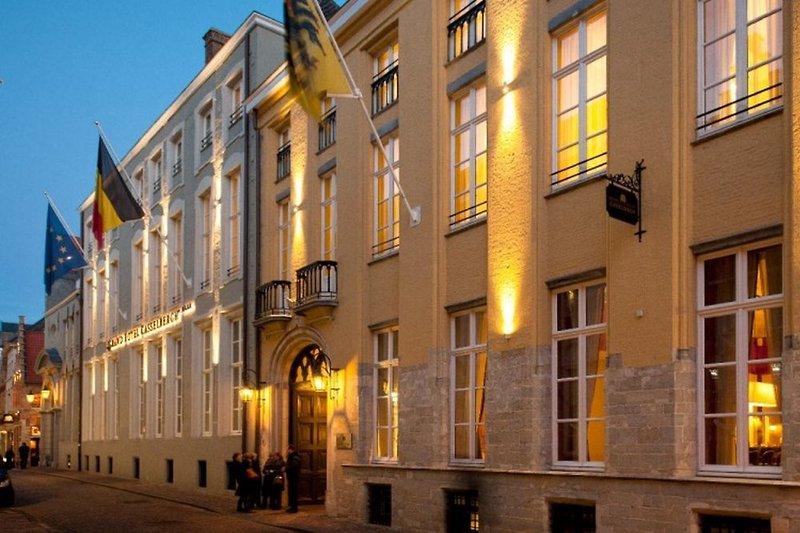 Grand Hotel Casselbergh Außenaufnahme