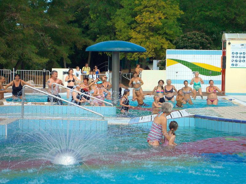 Happy Camp Lanterna Camping Pool