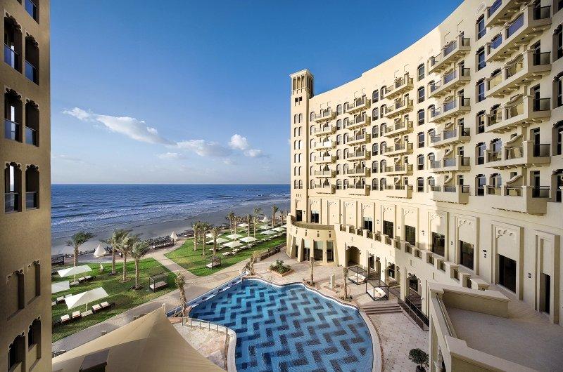Bahi Ajman Palace Hotel  Außenaufnahme
