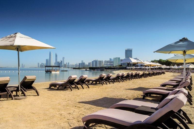 Radisson Blu Hotel & Resort Abu Dhabi Corniche Strand