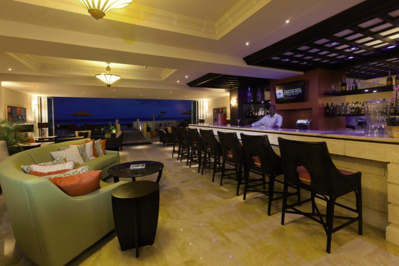 Ocean Two Resort & Residences Bar
