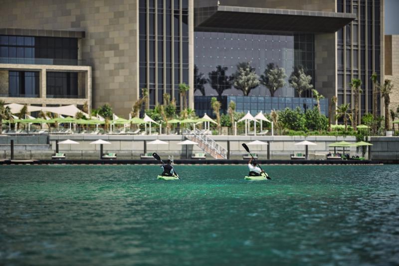 Four Seasons Hotel Bahrain Bay Hallenbad