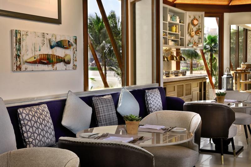 The Ritz-Carlton Ras Al Khaimah, Al Hamra Beach Restaurant