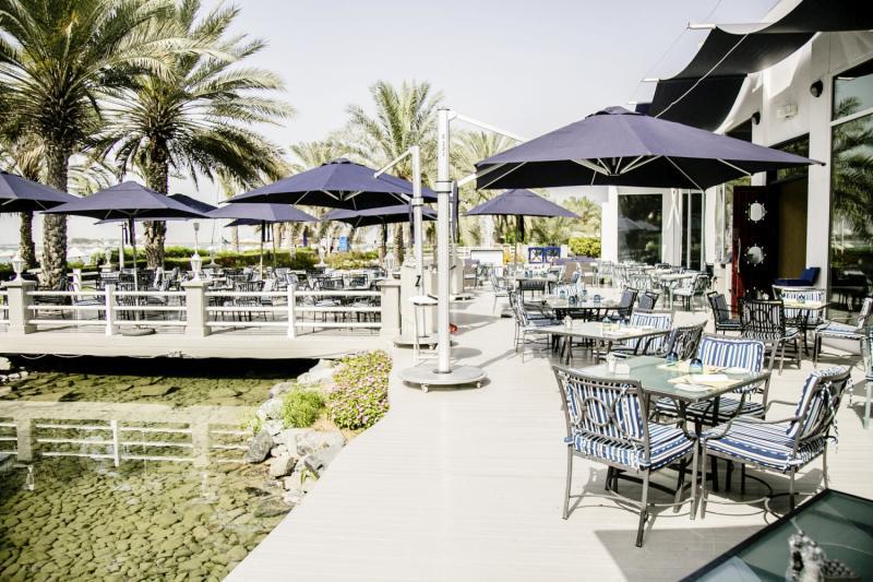 Radisson Blu Hotel & Resort Abu Dhabi Corniche Terrasse