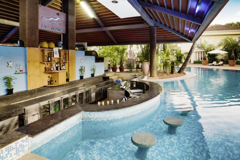 The Zuri White Sands, Goa Resort & Casino Bar