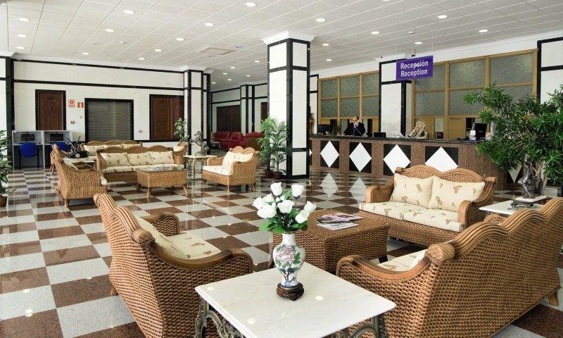 Apartamentos Nuria Sol Lounge/Empfang
