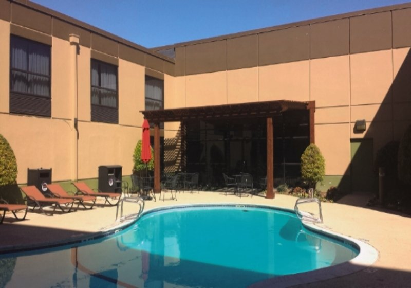 Best Western Plus Dallas Hotel & Conference Center Pool