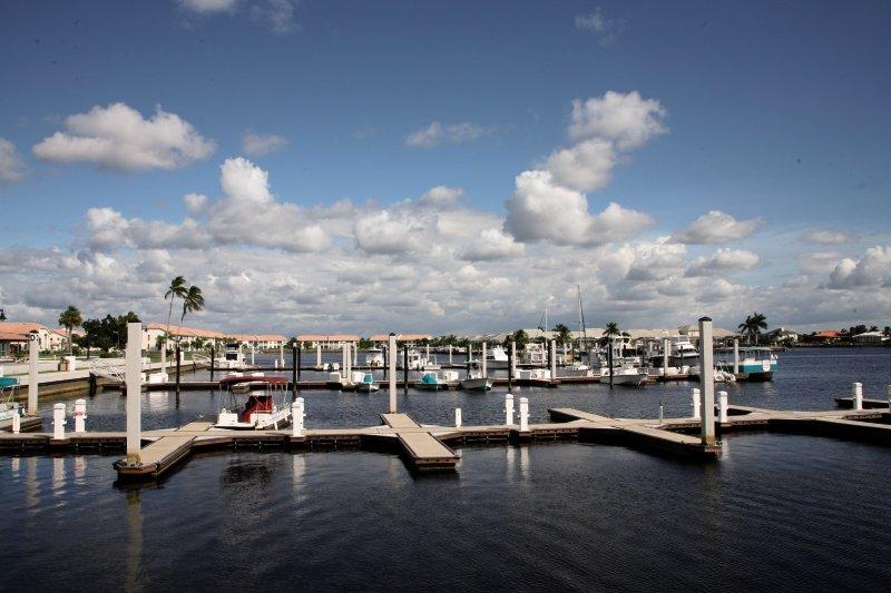 Port of the Islands Resort & Marina Meer/Hafen/Schiff