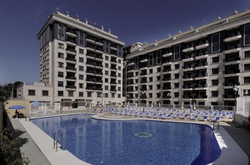 Apartamentos Nuria Sol Außenaufnahme