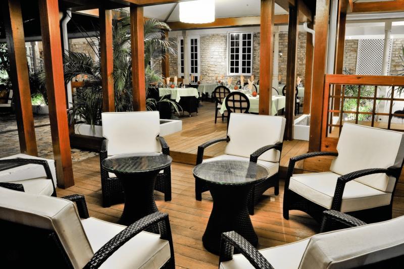 Island Inn Lounge/Empfang