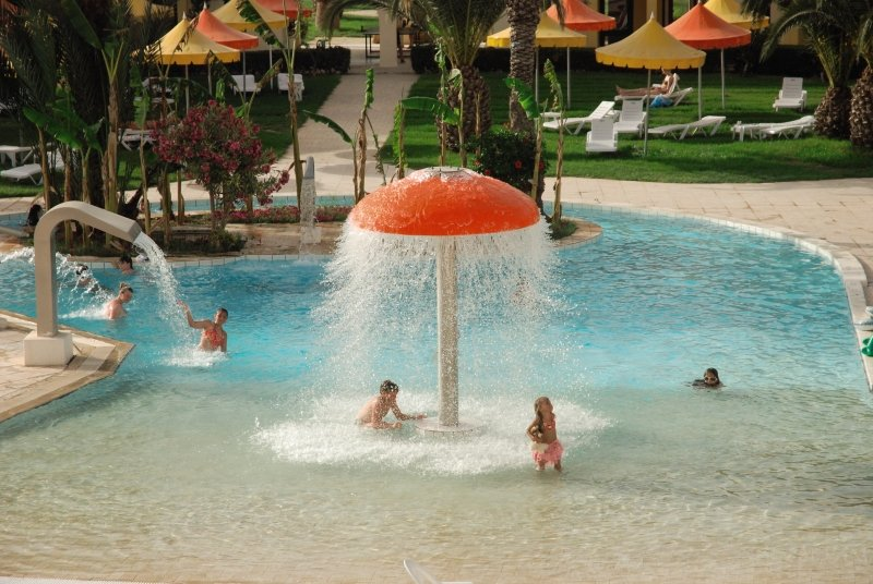 La Couronne Pool