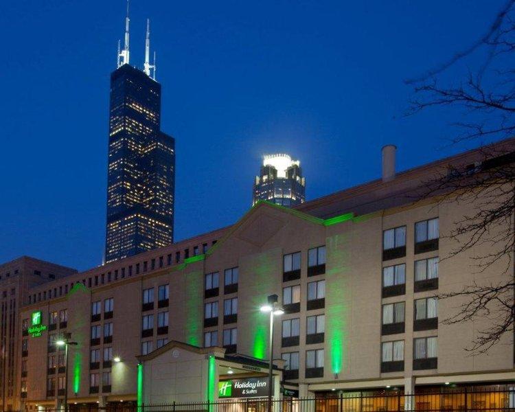Urlaub im Holiday Inn & Suites Chicago-Downtown - hier günstig online buchen