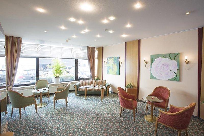 TRIP INN Frankfurt Airport Ruesselsheim  Lounge/Empfang