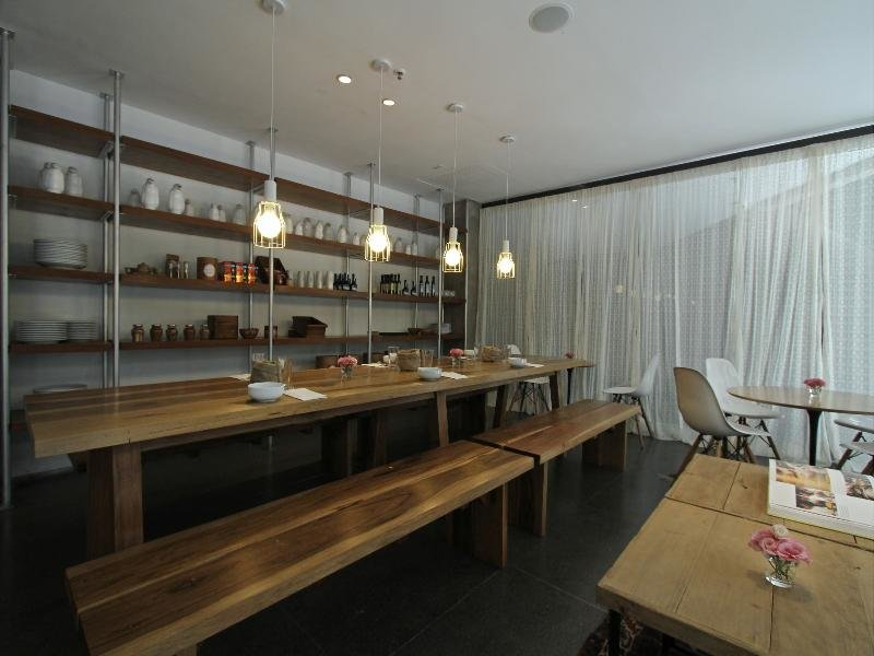 Anselmo Buenos Aires, Curio Collection by Hilton Bar