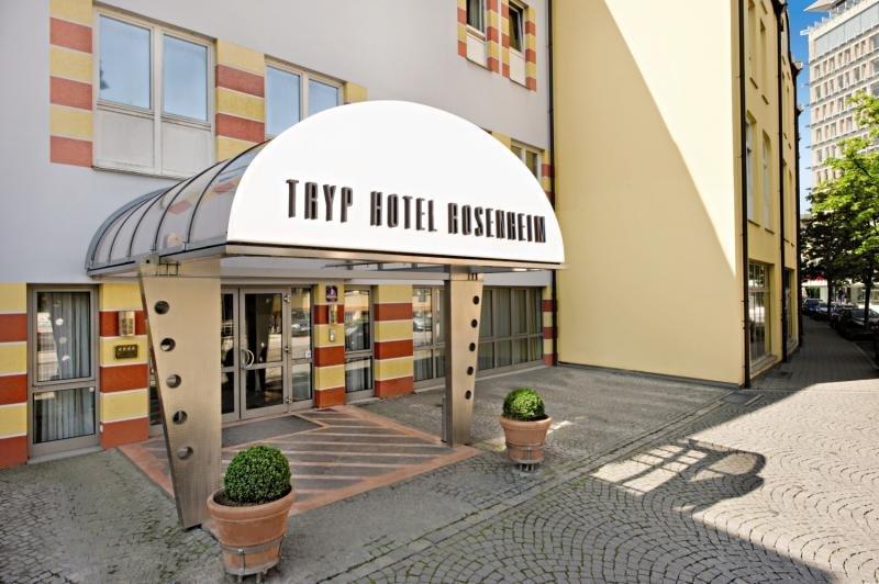 TRYP by Wyndham Rosenheim Außenaufnahme