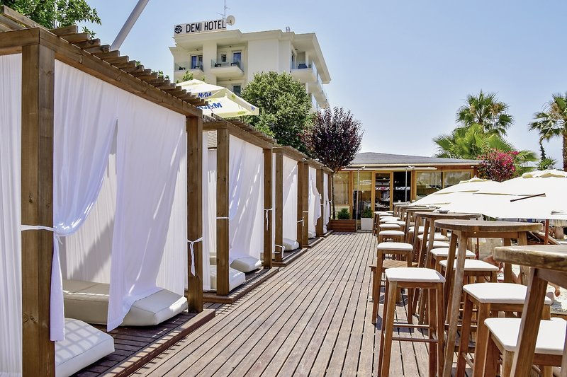 Demi Hotel Terrasse