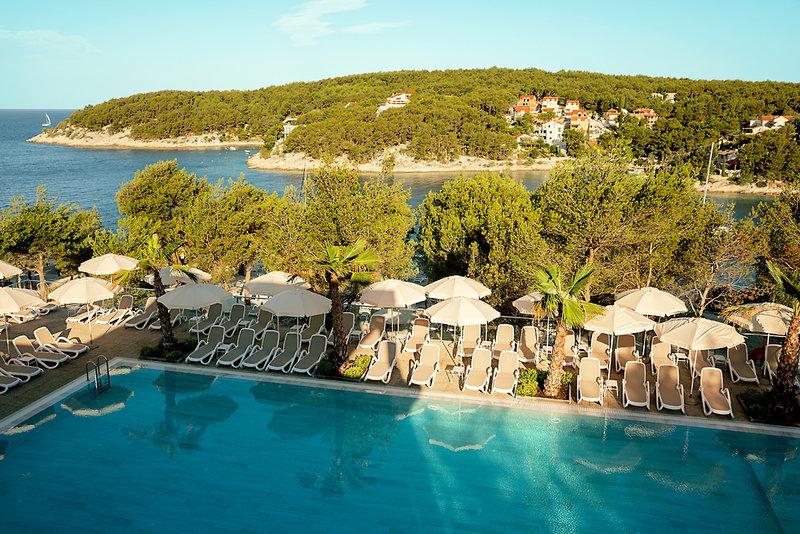Waterman Milna Resort Pool