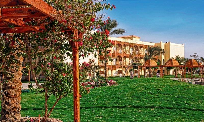 Desert Rose Resort Garten