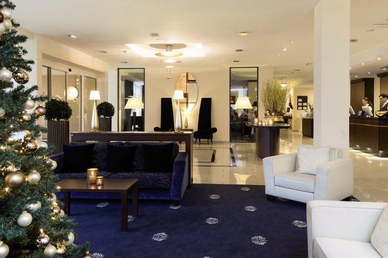 Hotel Vier Jahreszeiten Starnberg Lounge/Empfang