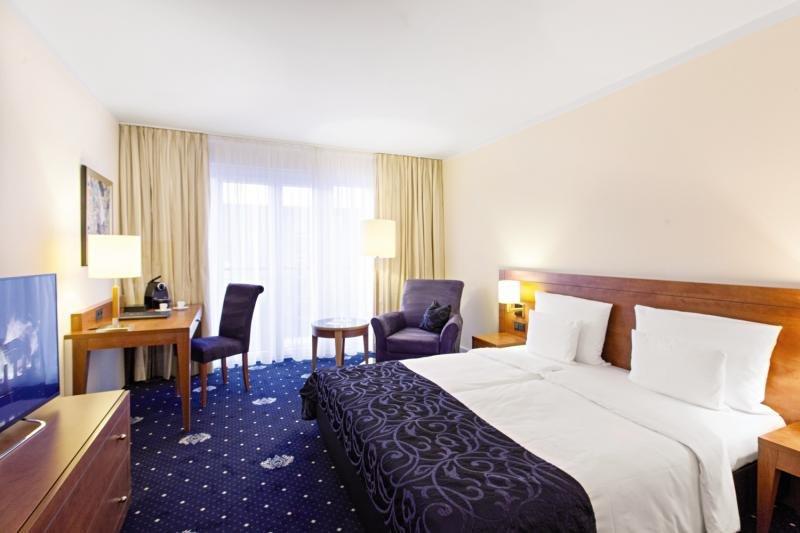 Hotel Vier Jahreszeiten Starnberg Wohnbeispiel
