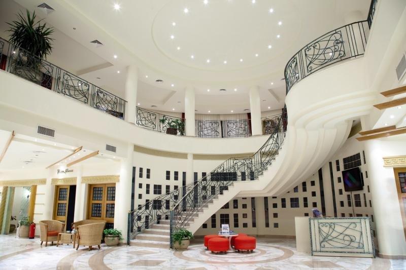 Coral Beach Resort Tiran Lounge/Empfang