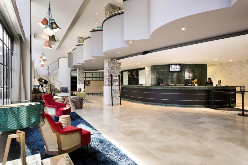 TRYP Barcelona Apolo Hotel Lounge/Empfang