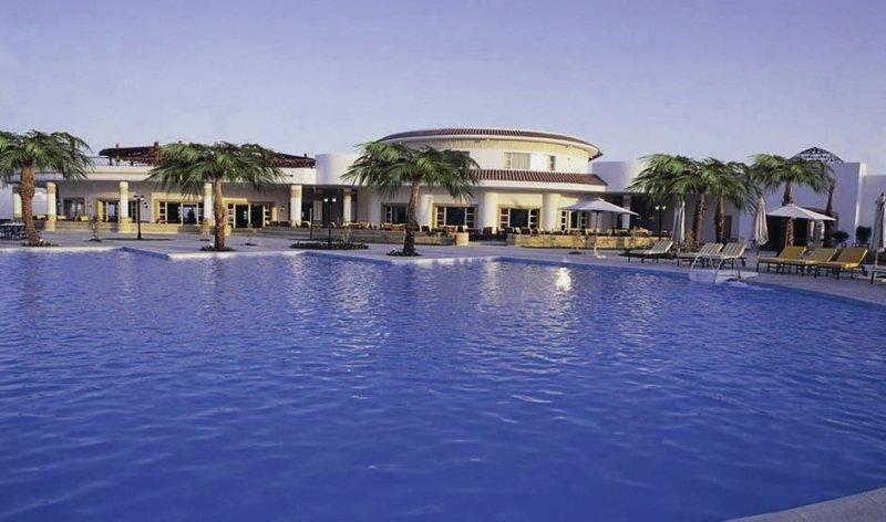 Coral Beach Resort Tiran Pool