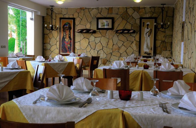 LABRANDA Tower Bay Restaurant